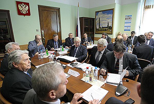 В Государственной Думе РФ состоялся круглый стол «Оборона и национальная безопасность в деятельности институтов развития РФ»